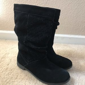 Toms suede boots